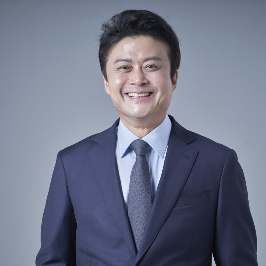 더불어민주당 부천오정 김만수 국회의원 예비후보 프로필 사진신문2020년 1월.jpg